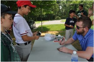 Drew Storen Signs my 2015 Topps Card